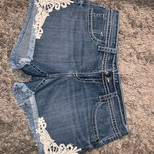 MAURICES SHORTS. GREAT CONDITION.